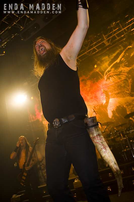 2009-amon-amarth-at-the-forum_0084-copy
