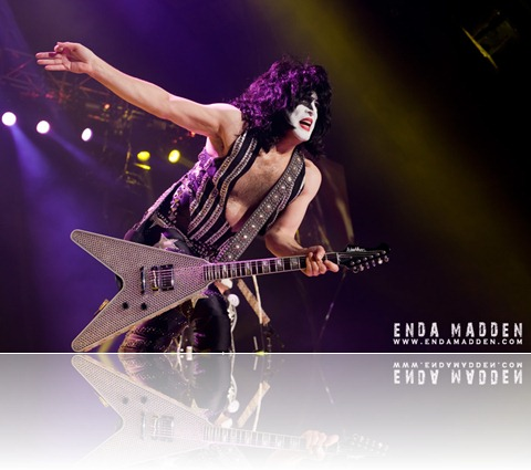 2010 Kiss at Wembley Arena_0110 crop copy